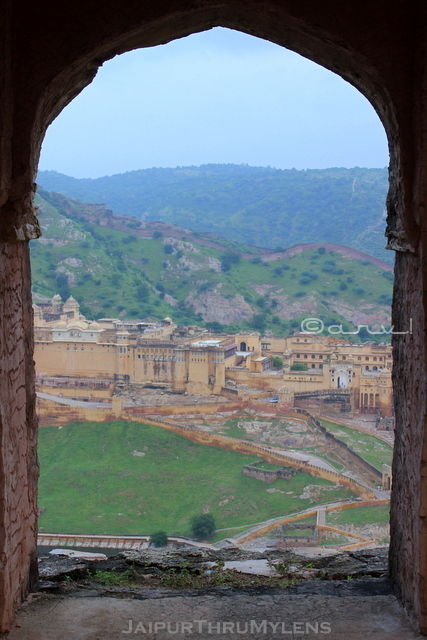 amer-fort-view-from-wall-rampart-jaipur-trekking