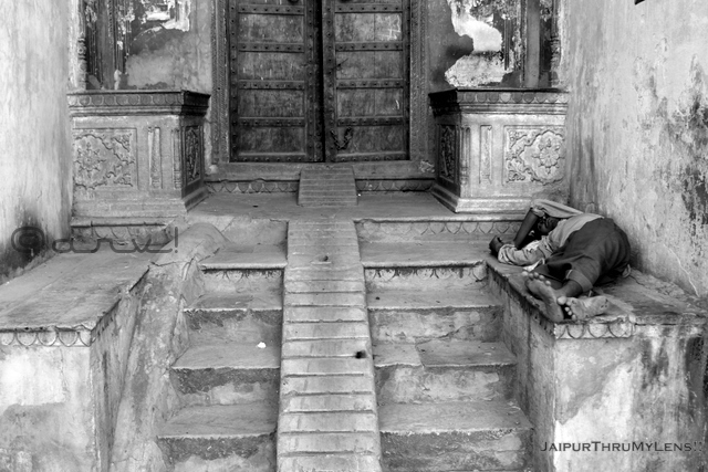 homeless-people-india-jaipur-streets-walled-city