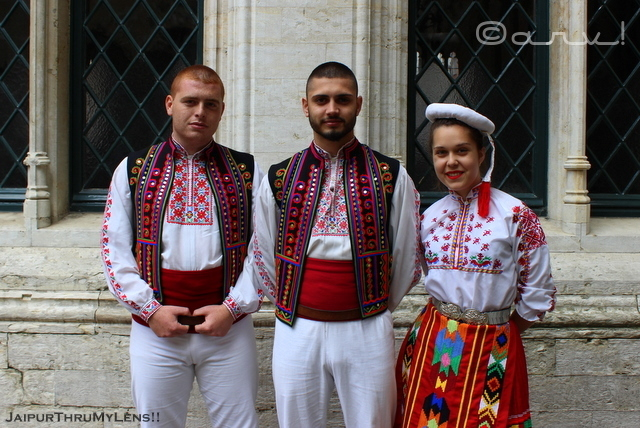 bulgarian-traditional-people-folk-dance-clothing