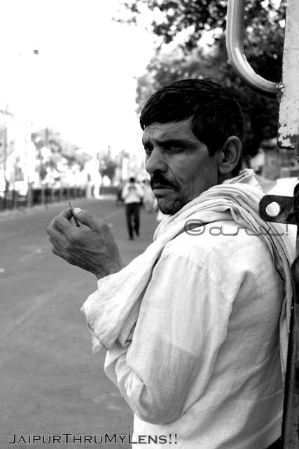smoking-beedi-man-jaipur-street-photography-india