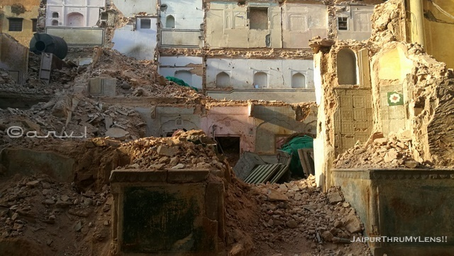 old-rajasthani-architecture-haveli-jaipur-destroyed