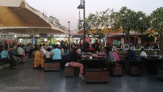 masala-chowk-jaipur-food-court
