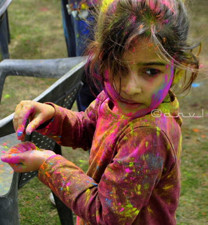 holi-festival-celebration-jaipur-child-colours