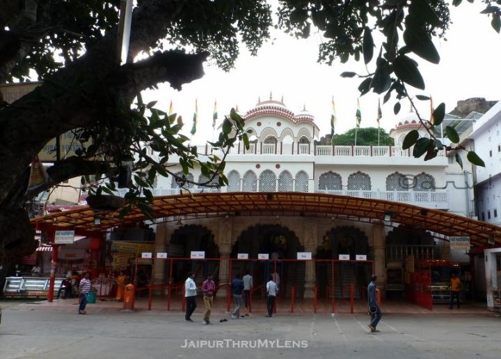 famous-ganesh-temple-jaipur-moti-dungari