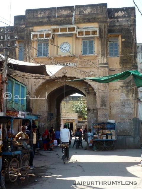 old-gate-shekhawati-nawalgarh-rajasthan
