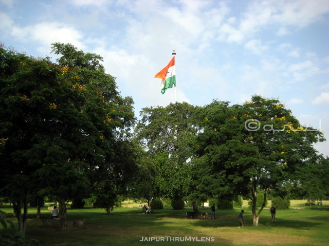 flag-at-central-park-jaipur