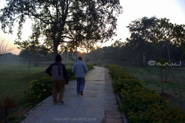 morning-jogging-central-park-jaipur-c-scheme
