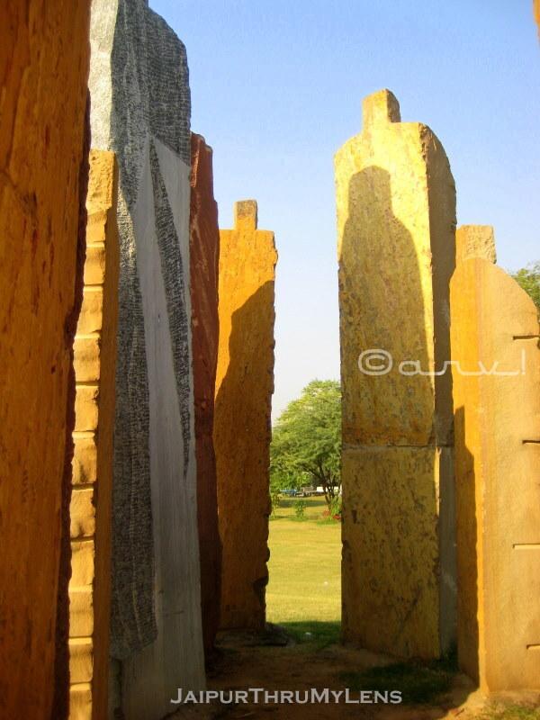 sameer-wheaton-sand-stone-sculpture-installation-central-park-jaipur