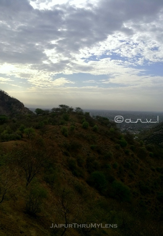 aravali-nature-trekking-jaipur-rajasthan