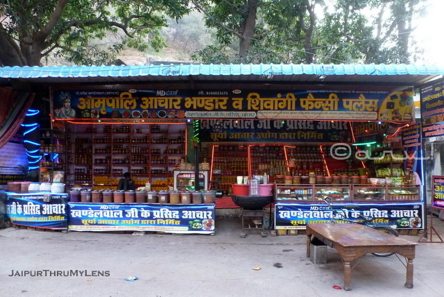 famous-pickle-shop-lohargal-near-jaipur-rajasthan