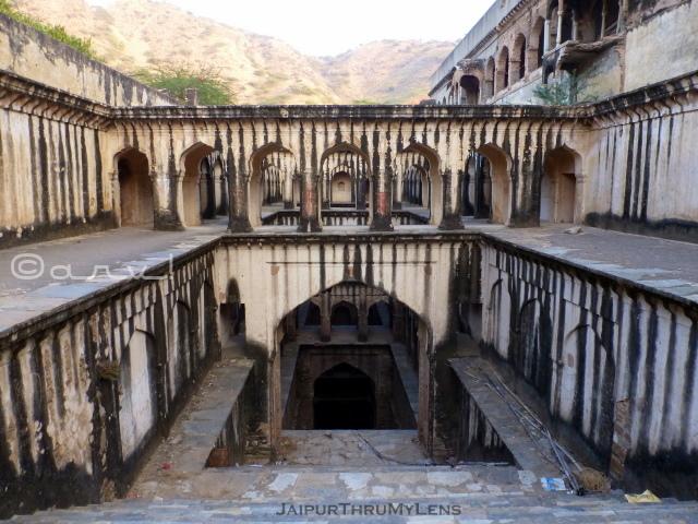 famous-stepwell-india-lohargal-rajasthan-chetan-das