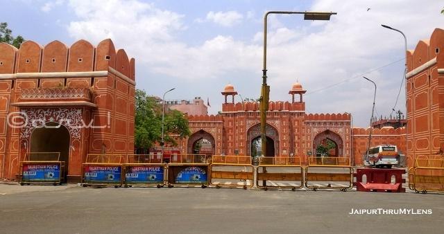 johari-bazaar-under-curfew-jaipur-lockdown-sanganeri-gate