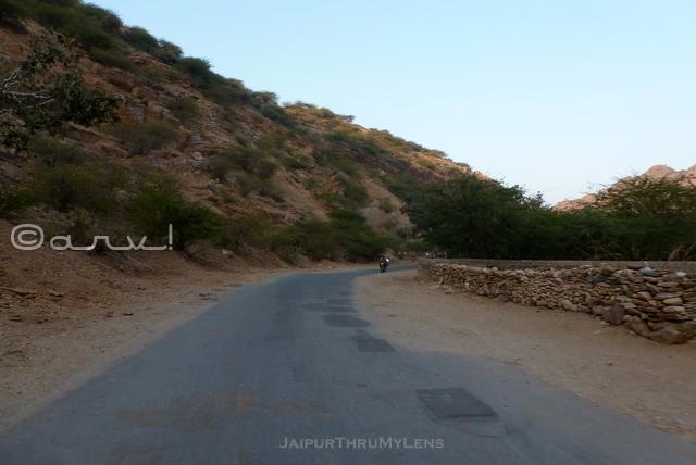 lohargal-dham-aravali-hills-shekhawati-rajasthan