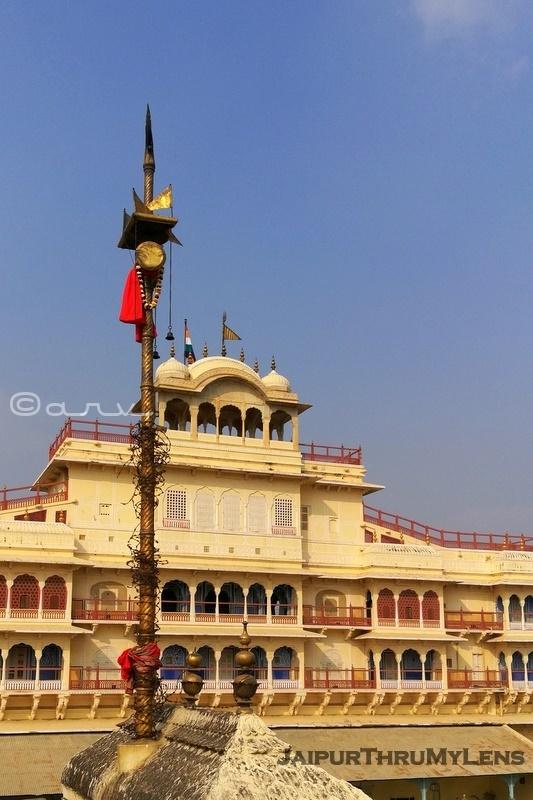 shiva-temple-city-palace-jaipur-raj-rajeshwar-trishul-damru