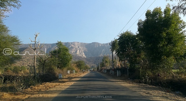 short-road-trips-from-jaipur-weekend-lohargal-rajasthan