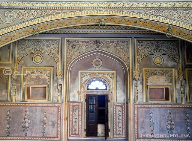 beautiful-wall-painted-frescoe-nahargarh-fort-jaipur-architecture