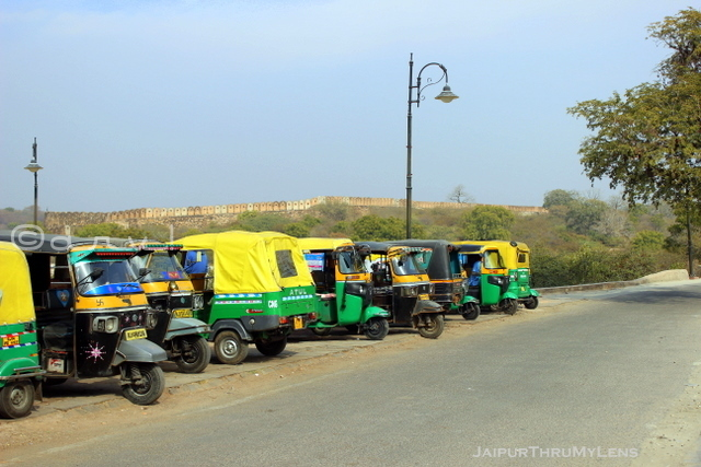 how-to-reach-nahargarh-fort-jaipur-tuk-tuk