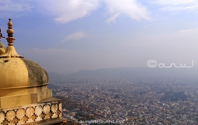 jaipur-view-point-from-nahargarh-fort-madhvendra-palace