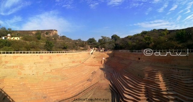 nahargarh-fort-ancient-step-well-water-storage-jaipur