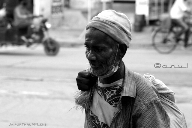 rag-picker-portrait-waste-disposal-jaipur-street-photo
