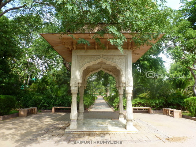 rajasthani-style-rajput-architecture-chhatri-col-samuel-swinton-jacob-jaipur