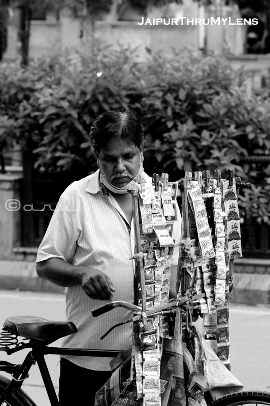 treet-photography-india-urban-jaipur-paan-gutka-seller