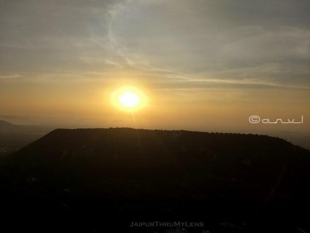 jaipur-sunrise-point-at-trekking-place
