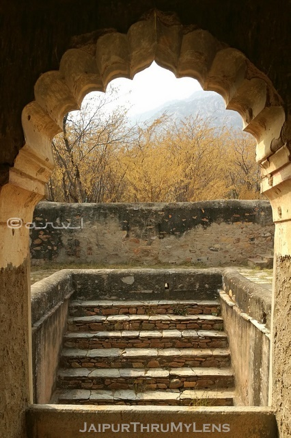 beautiful-stepwell-shekhawati-rajasthan-india-photography