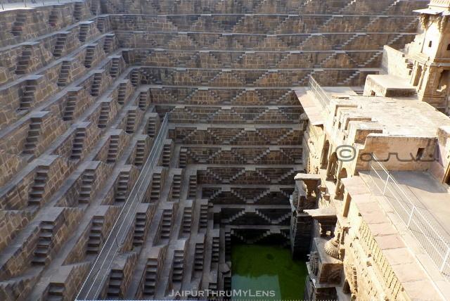 chand-baori-stepwell-architecture-near-jaipur-rajasthan