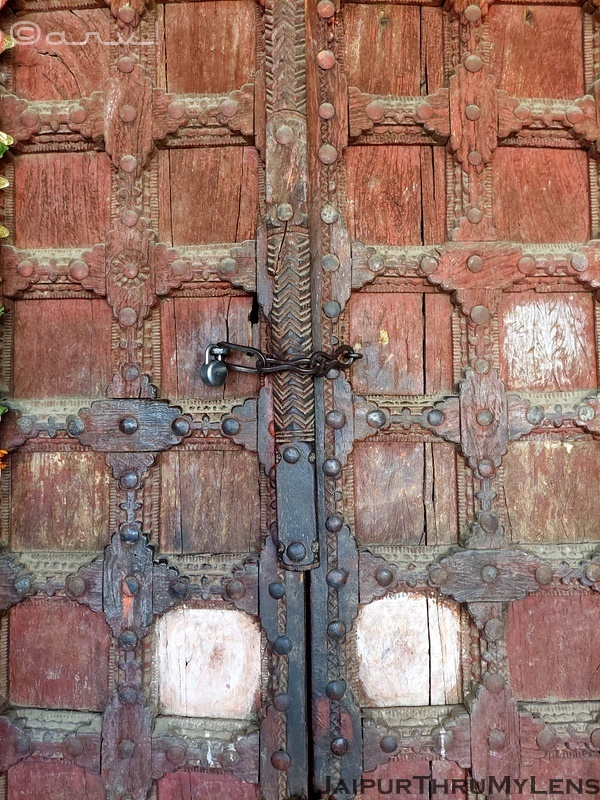 door-design-for-temple-amer-heritage-walk-tour-jaipur