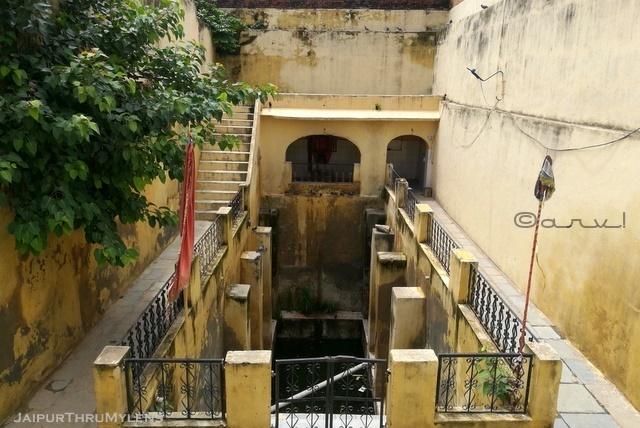 old-stepwell-in-jaipur-purani-basti-yagyashala-baori
