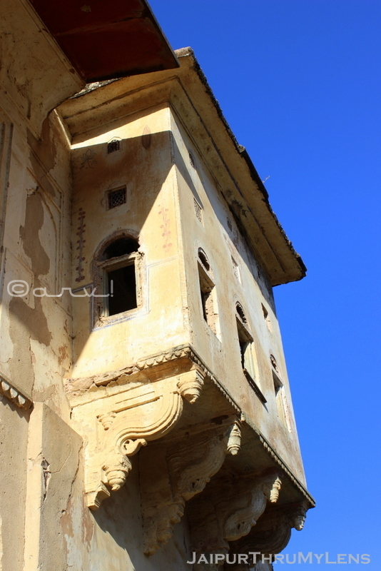 old-window-design-amer-heritage-walking-tour-jaipur