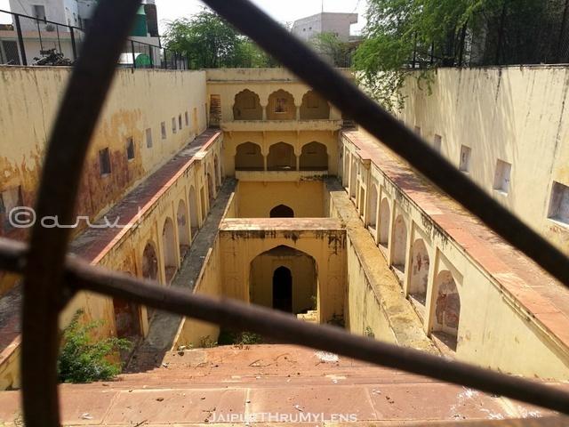 stepwell-in-jaipur-jagga-baori-maharani-gayatri-devi