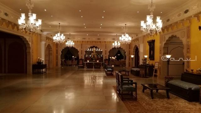 fairmont-jaipur-lobby-photo-kukas-resort