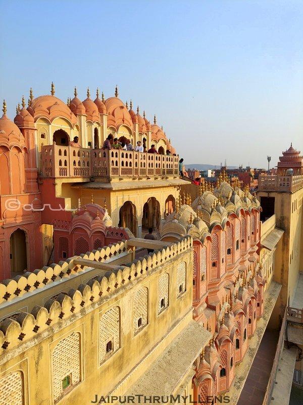 hawa-mahal-jaipur-palace-inside-architecture-travel-blog
